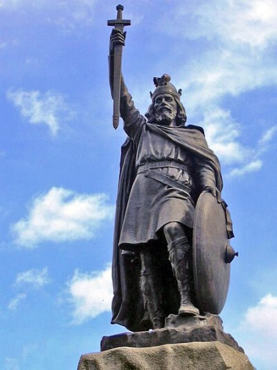 Alfred the Great, after whom Jacob Rees-Mogg has named his son. Photo by Odejea (Wikimedia Commons)