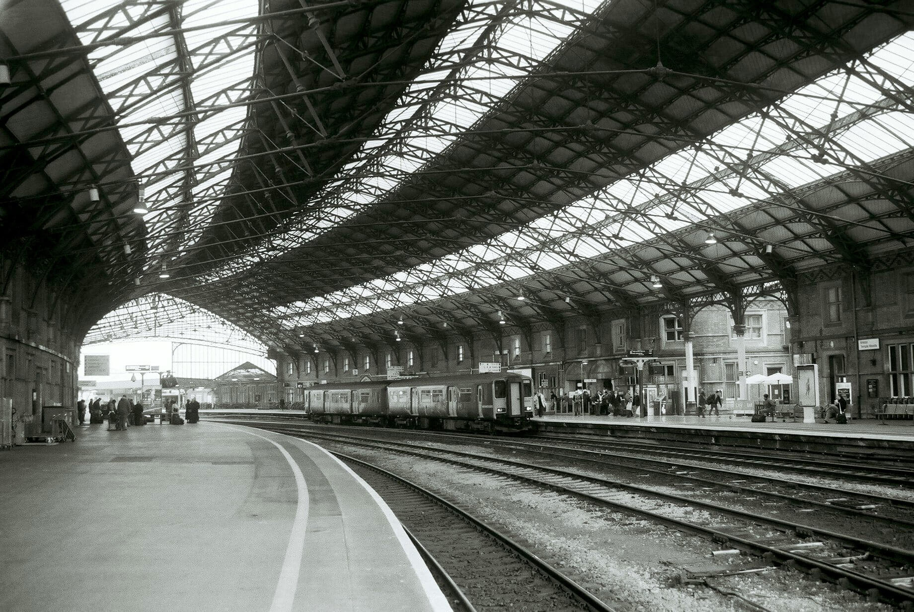 The iconic steel-glass roof in 1878. A style that can been seen at London Paddington as well as Bristol Temple Meads.